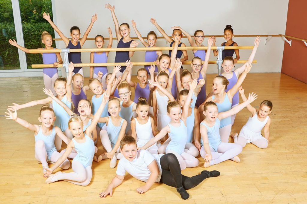 dance-steps-slideshow-gruppe-ballett