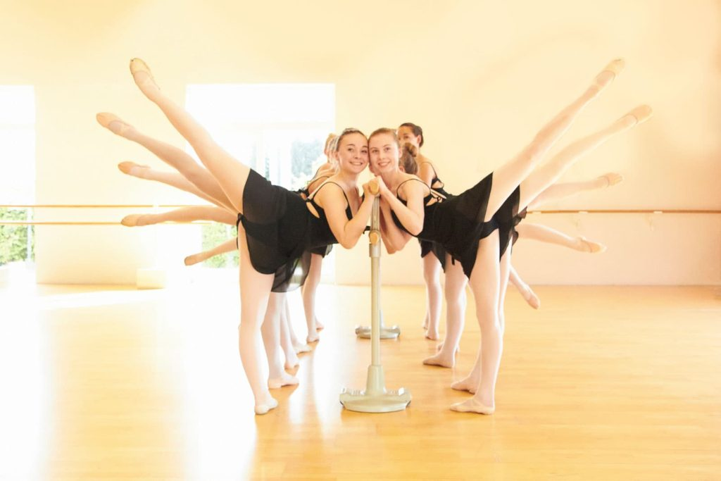 dance-steps-slideshow-gruppe-ballett-unterricht-arabesque